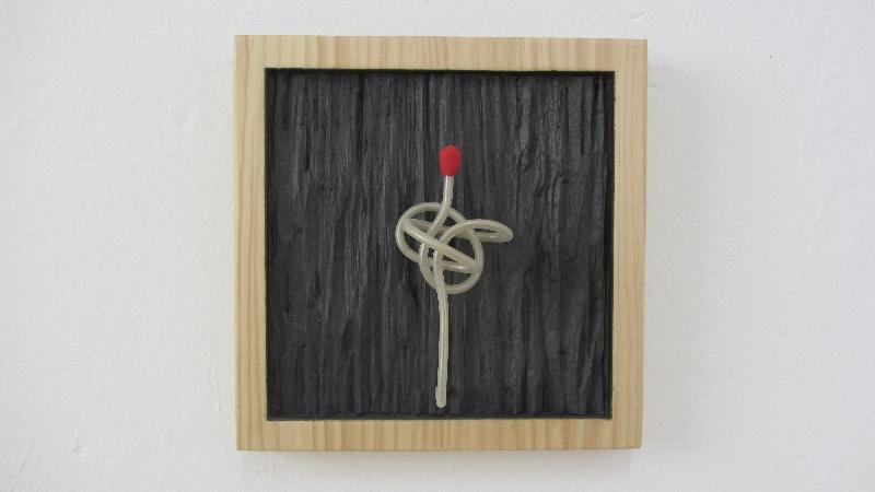 La cerilla del pirómano. 2009. 24 x 24 x 9 cm.